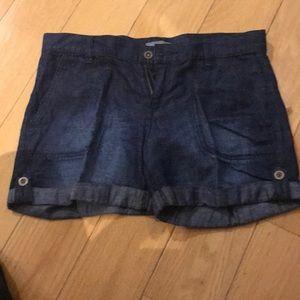 Lightweight blue denim short